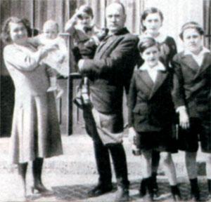 Семья Муссолини. 1936 г.