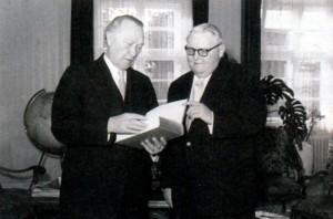 Аденуар и Эрхард. Фото Федерального архива Германии. 1956 г.